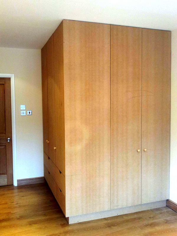 Corner wardrobe 1