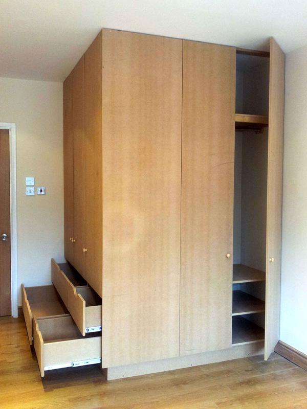 Corner wardrobe 2