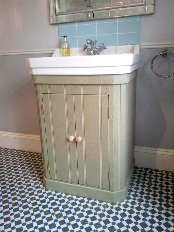 Victorian basin cupboard 1