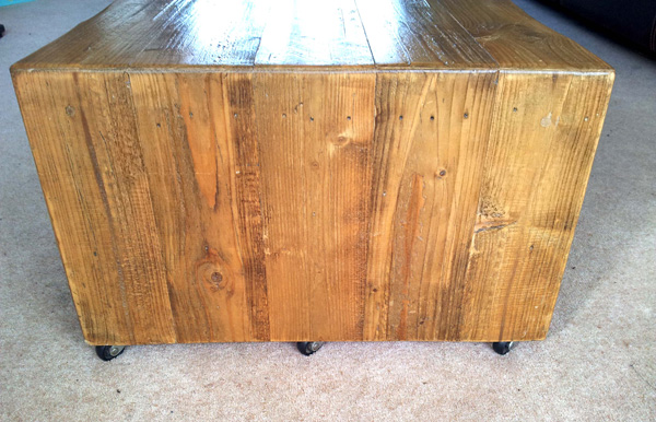 coffee table on castors 2